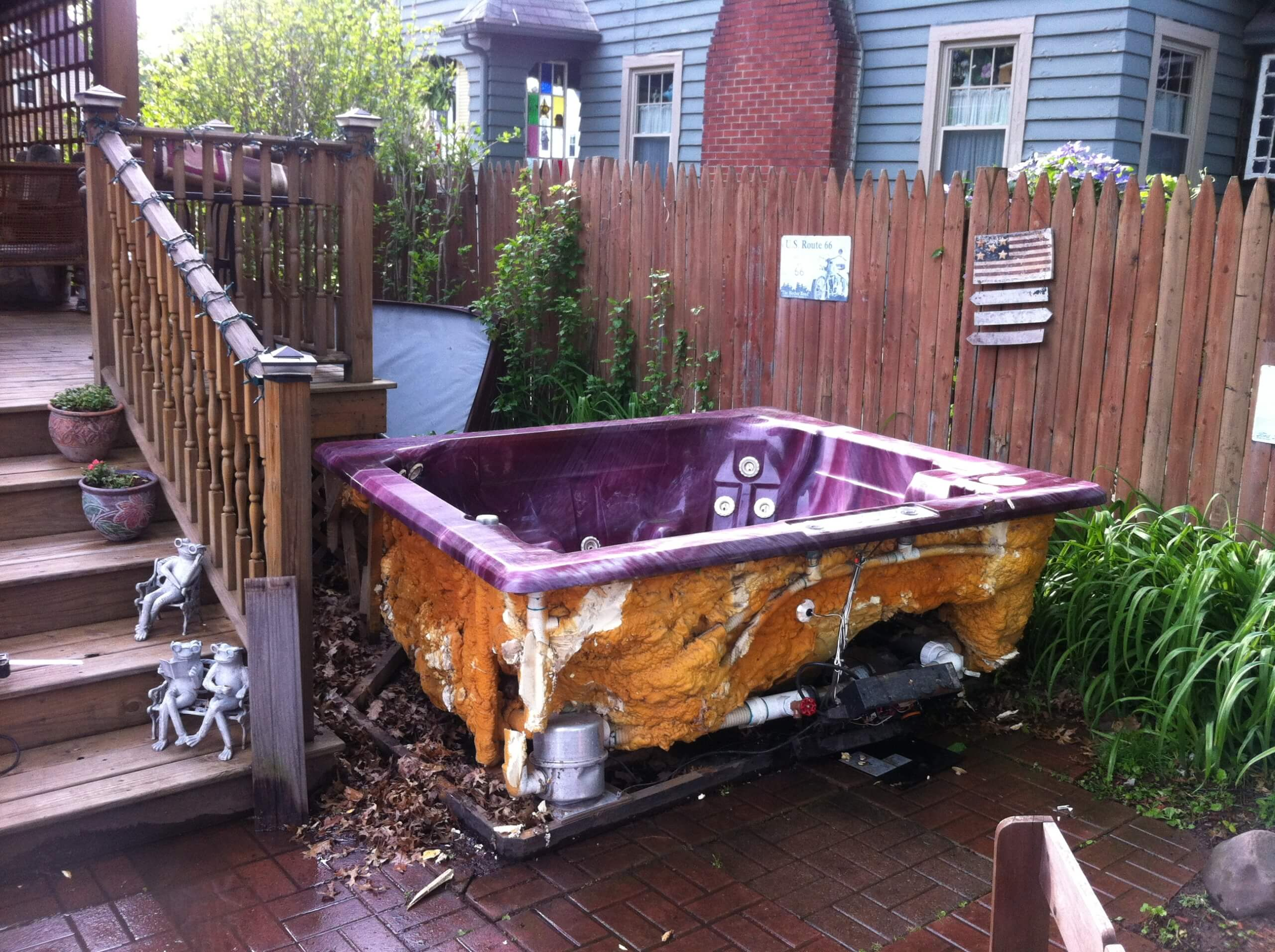 hot tub removal, spa removal, hot tub junk, hot tub broken, express junk removal